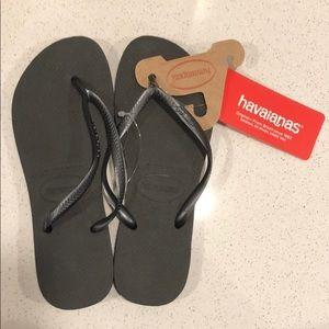NWT Havianas Slim Flip Flops